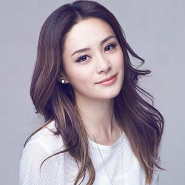Cái kết đắng của sao Cbiz giấu giếm chuyện tình cảm: Fan Ngô Tôn tố idol lừa đảo, Lưu Đức Hoa bị yêu cầu rời khỏi showbiz - Ảnh 18.