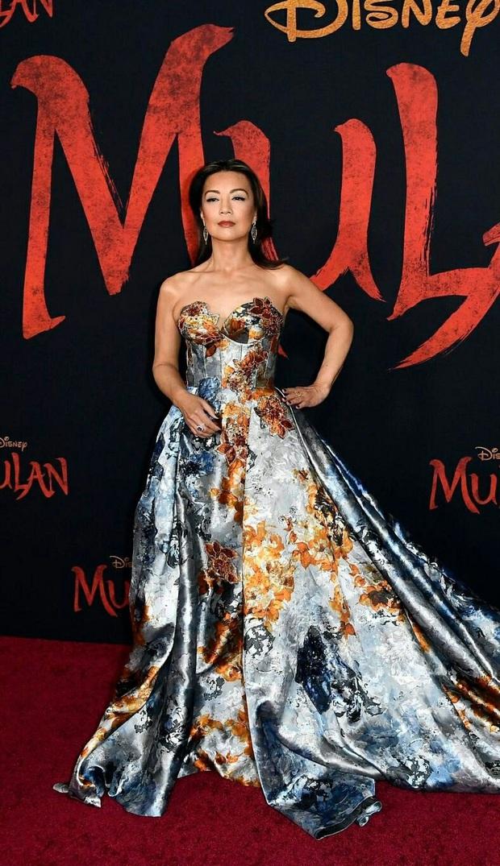 Siêu thảm đỏ Mulan hoành tráng trên đất Mỹ: Lưu Diệc Phi diện đầm xoè như bùng binh âm mưu chặt chém cả dàn sao ngoại - Ảnh 12.