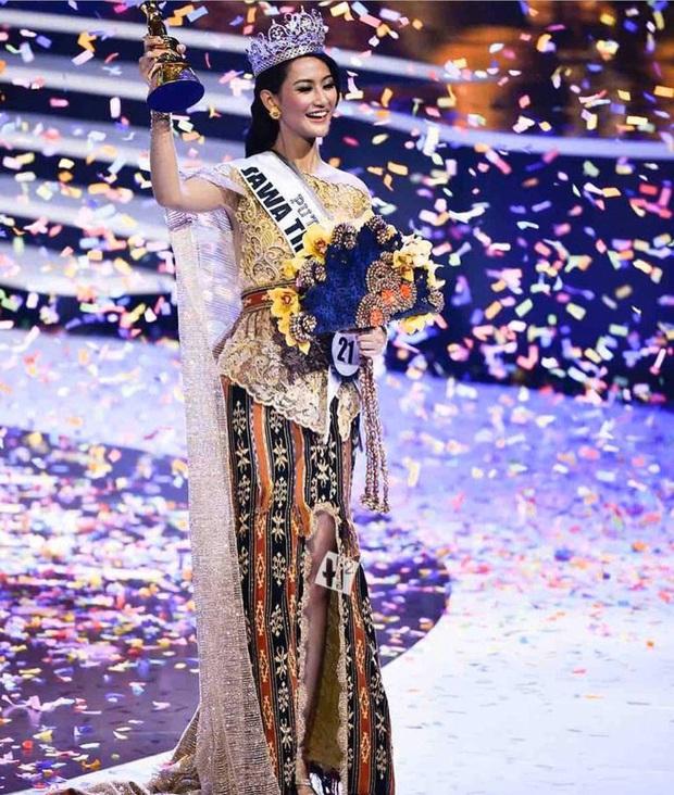 Thêm chiến binh khủng Miss Universe lộ diện: Mỹ nhân Indonesia cao 1m78, cử nhân ngành luật với thần thái rạng ngời - Ảnh 3.