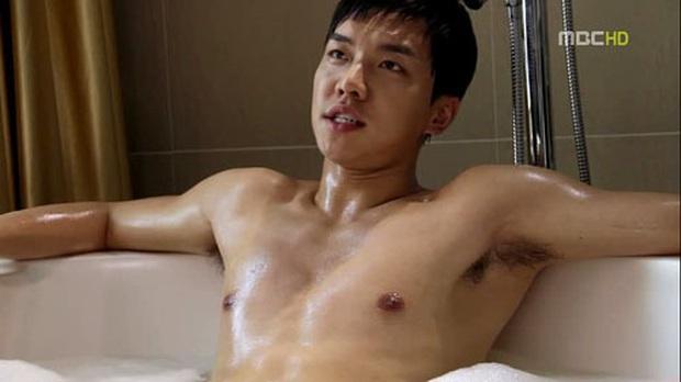 Chàng rể quốc dân Lee Seung Gi bất ngờ bị soi lại khoảnh khắc lộ vùng nhạy cảm trên show thực tế - Ảnh 2.