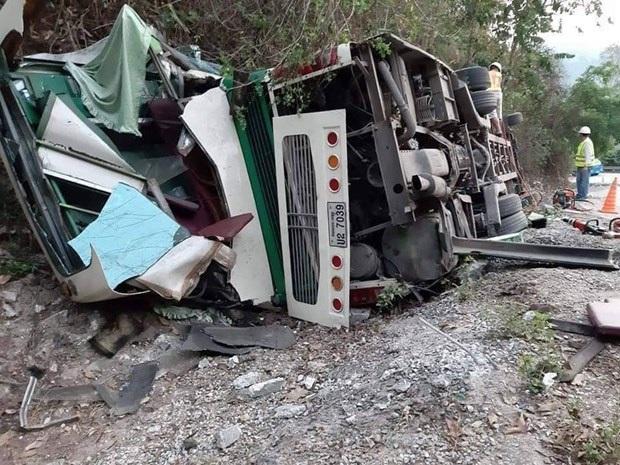 Tai nạn xe khách tại Lào, 6 hành khách người Việt thương vong - Ảnh 1.