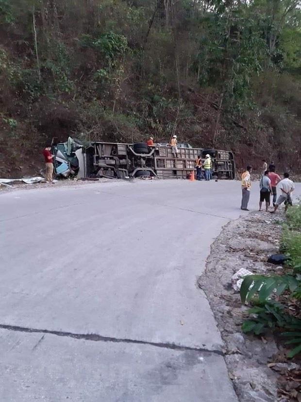 Tai nạn xe khách tại Lào, 6 hành khách người Việt thương vong - Ảnh 2.
