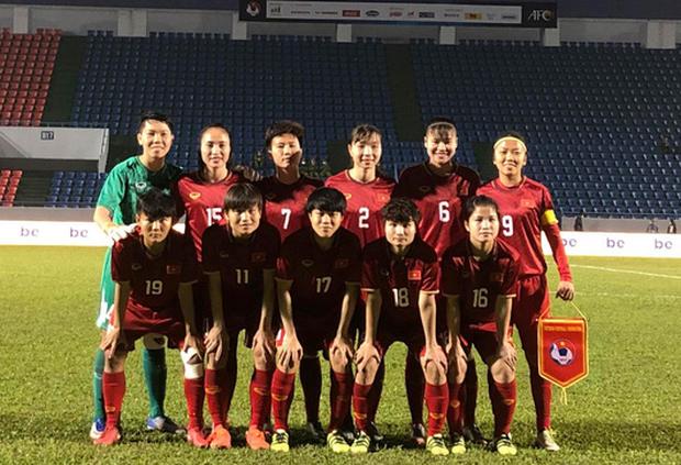 Hiệp một trận tuyển nữ Việt Nam đấu Australia phải bù giờ 16 phút vì lý do không mong muốn - Ảnh 3.