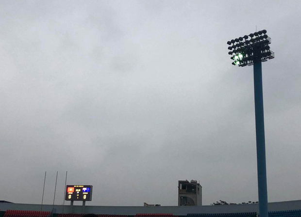 Hiệp một trận tuyển nữ Việt Nam đấu Australia phải bù giờ 16 phút vì lý do không mong muốn - Ảnh 6.