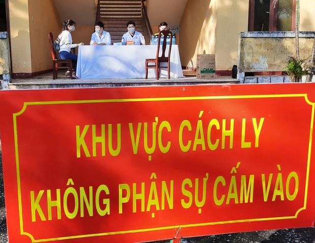 Có 2 ca dương tính COVID-19, Quảng Nam đề nghị Bộ Y tế công bố dịch - Ảnh 1.