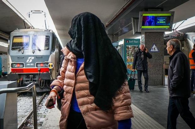 Italy sau lệnh phong tỏa: Cuộc sống chững lại, người dân cảm thấy sốc nhưng du khách vẫn muốn trải nghiệm khung cảnh im ắng lạ thường - Ảnh 8.