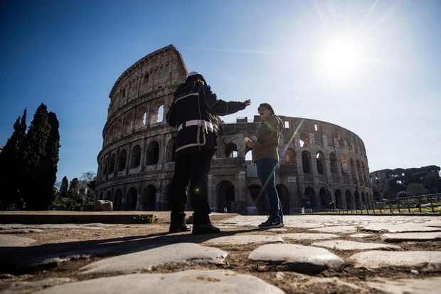 Italy sau lệnh phong tỏa: Cuộc sống chững lại, người dân cảm thấy sốc nhưng du khách vẫn muốn trải nghiệm khung cảnh im ắng lạ thường - Ảnh 15.
