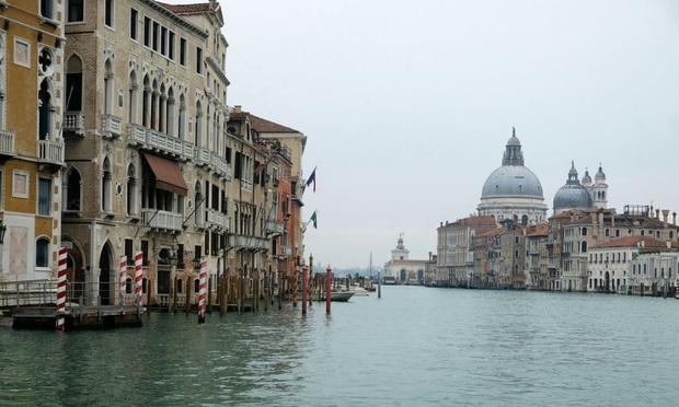 Italy sau lệnh phong tỏa: Cuộc sống chững lại, người dân cảm thấy sốc nhưng du khách vẫn muốn trải nghiệm khung cảnh im ắng lạ thường - Ảnh 16.