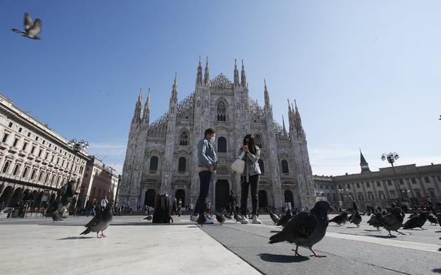 Italy sau lệnh phong tỏa: Cuộc sống chững lại, người dân cảm thấy sốc nhưng du khách vẫn muốn trải nghiệm khung cảnh im ắng lạ thường - Ảnh 3.