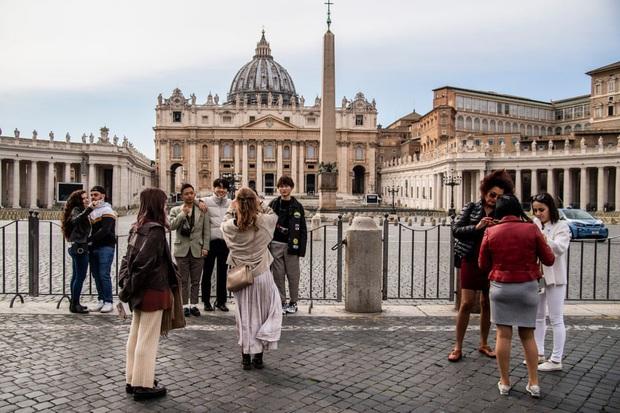 Italy sau lệnh phong tỏa: Cuộc sống chững lại, người dân cảm thấy sốc nhưng du khách vẫn muốn trải nghiệm khung cảnh im ắng lạ thường - Ảnh 12.