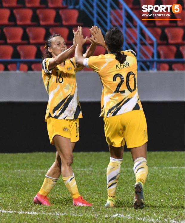 Đội tuyển bóng đá nữ Việt Nam dừng bước tại vòng loại Olympic sau trận đấu quả cảm trước đội hạng 7 thế giới - Ảnh 6.
