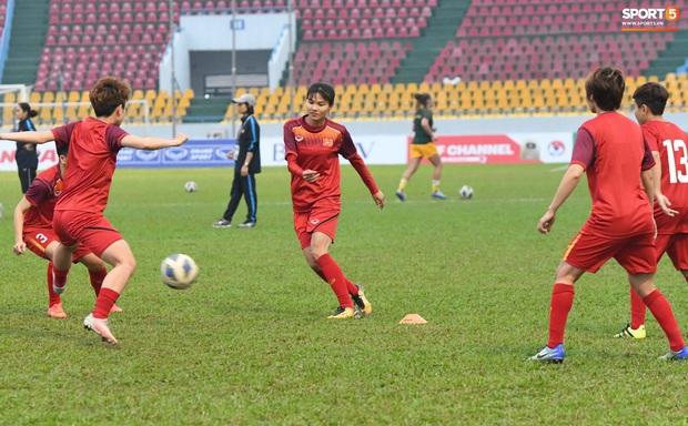 Đội tuyển bóng đá nữ Việt Nam dừng bước tại vòng loại Olympic sau trận đấu quả cảm trước đội hạng 7 thế giới - Ảnh 11.