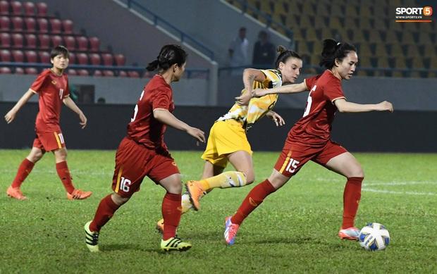 Đội tuyển bóng đá nữ Việt Nam dừng bước tại vòng loại Olympic sau trận đấu quả cảm trước đội hạng 7 thế giới - Ảnh 9.