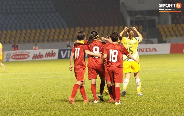 Đội tuyển bóng đá nữ Việt Nam dừng bước tại vòng loại Olympic sau trận đấu quả cảm trước đội hạng 7 thế giới - Ảnh 1.