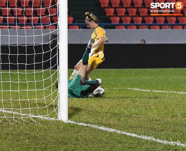 Đội tuyển bóng đá nữ Việt Nam dừng bước tại vòng loại Olympic sau trận đấu quả cảm trước đội hạng 7 thế giới - Ảnh 5.