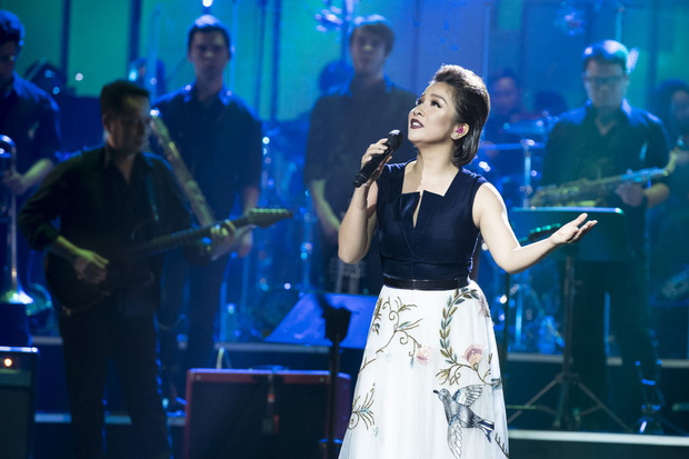Nữ ca sĩ Việt Nam đầu tiên nhận được lời đề nghị kí hợp đồng từ một công ty giải trí ở Mỹ, được so sánh ngang hàng với danh ca huyền thoại Celine Dion? - Ảnh 3.