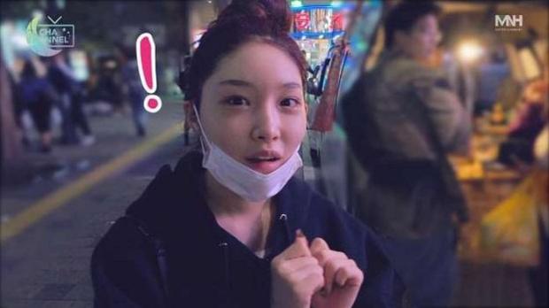Hội 5 nữ thần mặt mộc gây xôn xao Kpop: Nayeon và IU hack tuổi là có lý do, nhưng chưa bất ngờ bằng Hwasa - Ảnh 16.