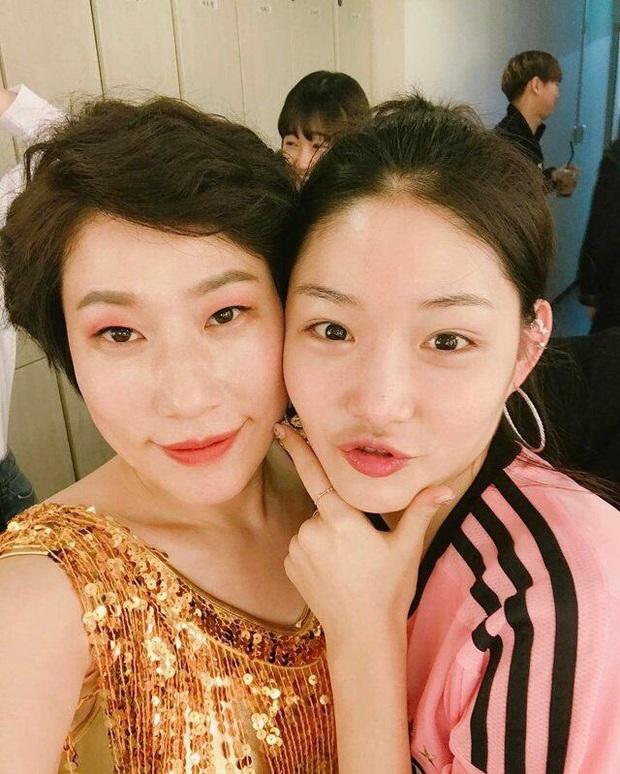 Hội 5 nữ thần mặt mộc gây xôn xao Kpop: Nayeon và IU hack tuổi là có lý do, nhưng chưa bất ngờ bằng Hwasa - Ảnh 13.