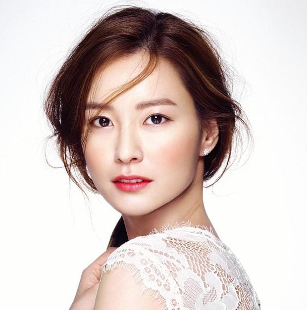Choáng dàn cast siêu phẩm chưa ra mắt đã gây nổ: Gong Yoo - Yumi, Suzy - Bo Gum đụng độ ngại ngùng, sốc hơn là nữ thần Cbiz - Ảnh 16.