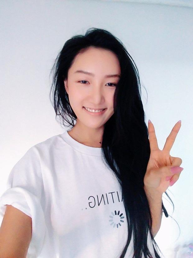 Hội 5 nữ thần mặt mộc gây xôn xao Kpop: Nayeon và IU hack tuổi là có lý do, nhưng chưa bất ngờ bằng Hwasa - Ảnh 23.