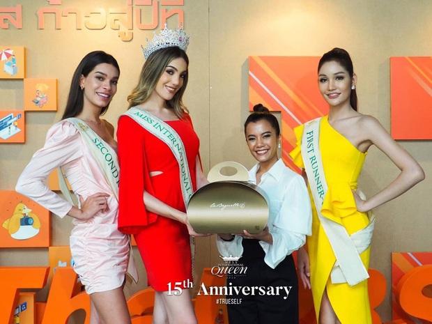 Top 3 Miss International Queen cùng lộ diện sau đăng quang: Tân Hoa hậu bị chê già, kém sắc hơn hẳn so với 2 nàng Á - Ảnh 3.