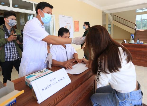 Có 2 ca dương tính COVID-19, Quảng Nam đề nghị Bộ Y tế công bố dịch - Ảnh 2.