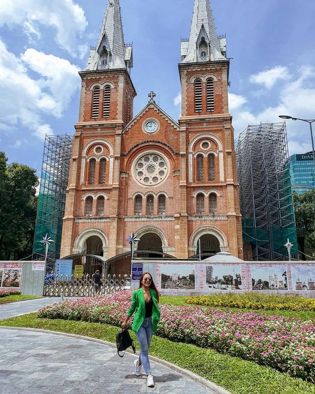 Cập nhật nhanh diện mạo mới nhất của Nhà thờ Đức Bà Sài Gòn sau bước đầu trùng tu, những mảng tường bị vẽ bậy giờ đã biến mất - Ảnh 5.