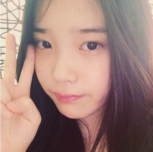 Hội 5 nữ thần mặt mộc gây xôn xao Kpop: Nayeon và IU hack tuổi là có lý do, nhưng chưa bất ngờ bằng Hwasa - Ảnh 5.