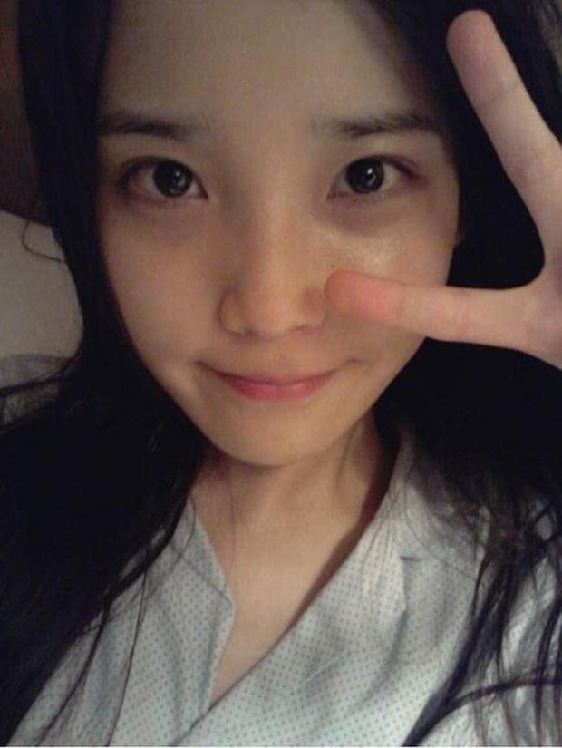 Hội 5 nữ thần mặt mộc gây xôn xao Kpop: Nayeon và IU hack tuổi là có lý do, nhưng chưa bất ngờ bằng Hwasa - Ảnh 4.