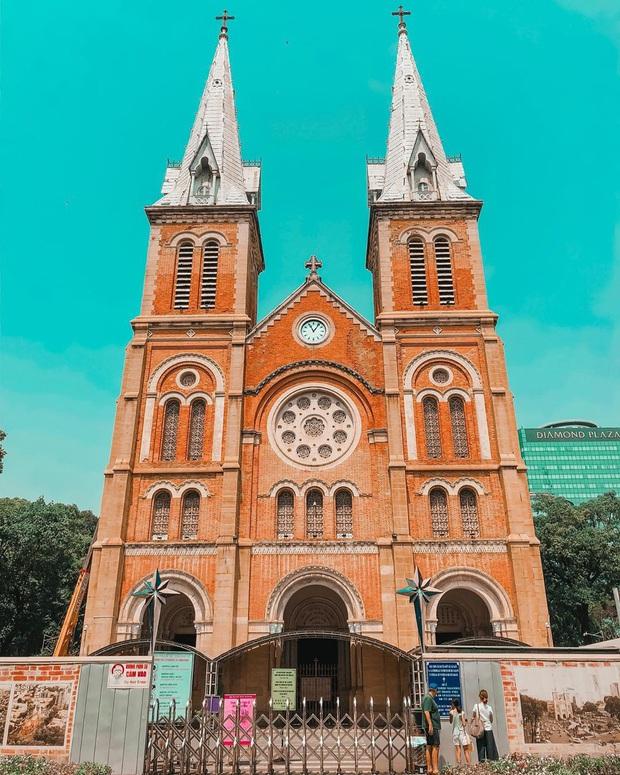 Cập nhật nhanh diện mạo mới nhất của Nhà thờ Đức Bà Sài Gòn sau bước đầu trùng tu, những mảng tường bị vẽ bậy giờ đã biến mất - Ảnh 9.