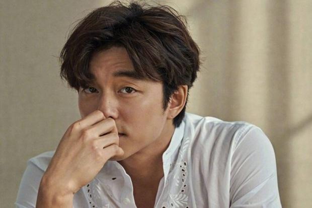 Gong Yoo hợp tác với phi công của Song Hye Kyo, dàn cast có thêm mỹ nhân cảnh nóng xứ Trung thì ai mà chịu nổi? - Ảnh 1.