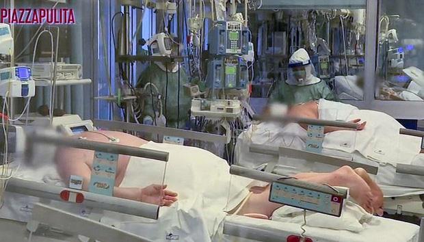 Covid-19: Tư thế nằm sấp và lựa chọn đau lòng trong phòng cấp cứu Ý - Ảnh 1.
