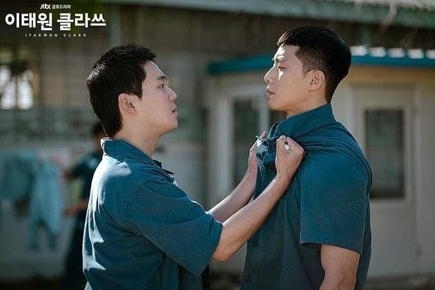 Chàng trai vàng trong làng số đỏ gọi tên Park Seo Joon ở Tầng Lớp Itaewon, cả đi tù cũng có quý nhân phù trợ mới tài - Ảnh 2.