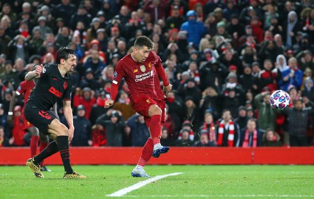 Nỗi ám ảnh thủ môn hiện về, Liverpool chính thức trở thành cựu vương Champions League - Ảnh 8.