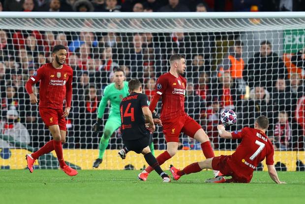 Nỗi ám ảnh thủ môn hiện về, Liverpool chính thức trở thành cựu vương Champions League - Ảnh 11.