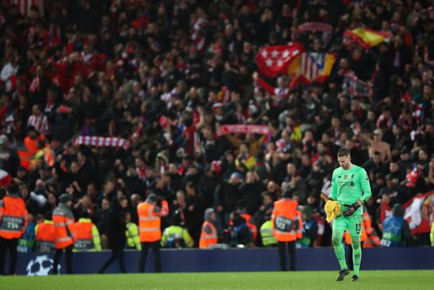 Nỗi ám ảnh thủ môn hiện về, Liverpool chính thức trở thành cựu vương Champions League - Ảnh 1.