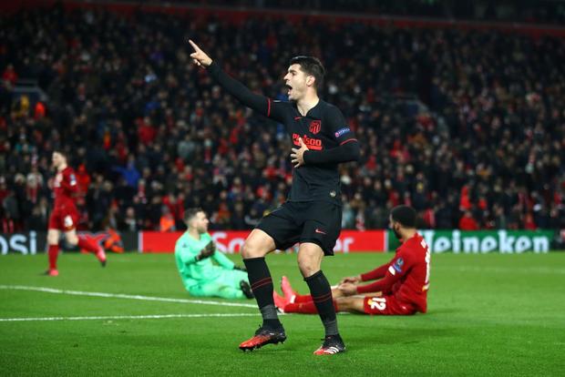 Nỗi ám ảnh thủ môn hiện về, Liverpool chính thức trở thành cựu vương Champions League - Ảnh 12.