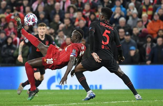 Nỗi ám ảnh thủ môn hiện về, Liverpool chính thức trở thành cựu vương Champions League - Ảnh 4.
