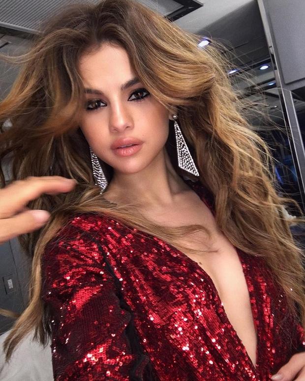 Selena Gomez - Giáo chủ tóc đẹp của Hollywood: Tóc ngắn hay dài đều xinh khó cưỡng, 5 lần 7 lượt gây sốt với đỉnh cao visual - Ảnh 6.