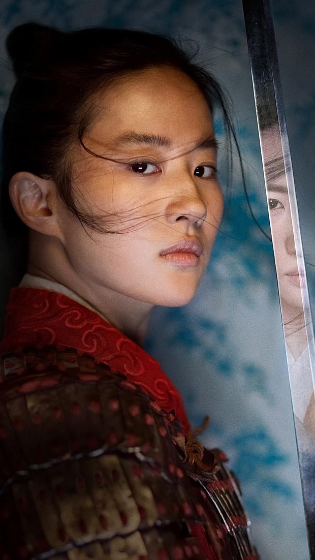 Thần tiên tỉ tỉ Lưu Diệc Phi: Quốc bảo nhan sắc Hoa Ngữ chật vật thoát mác bình bông di động, tưởng có Mulan đổi đời ai ngờ đủ vận xui - Ảnh 8.