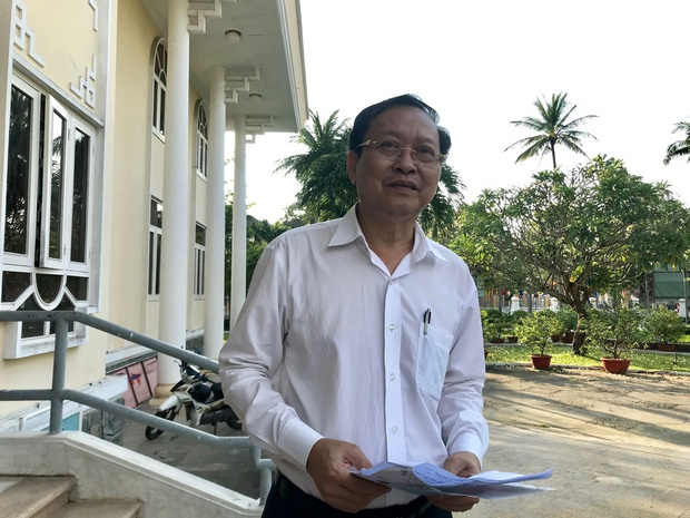 GĐ Sở Y tế Quảng Nam giải thích lý do 4 du khách Anh đang cách ly được ô tô biển xanh chở tới sân bay Đà Nẵng - Ảnh 2.