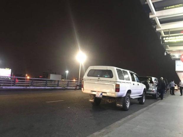 GĐ Sở Y tế Quảng Nam giải thích lý do 4 du khách Anh đang cách ly được ô tô biển xanh chở tới sân bay Đà Nẵng - Ảnh 3.