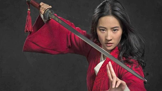Thần tiên tỉ tỉ Lưu Diệc Phi: Quốc bảo nhan sắc Hoa Ngữ chật vật thoát mác bình bông di động, tưởng có Mulan đổi đời ai ngờ đủ vận xui - Ảnh 3.