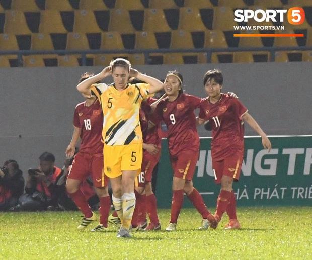"""""""Xé lưới"""" đội bóng xếp thứ 7 thế giới, Huỳnh Như ấp ủ hi vọng: Tương lai cầu thủ nữ Việt Nam sẽ được ra nước ngoài thi đấu - Ảnh 2."""