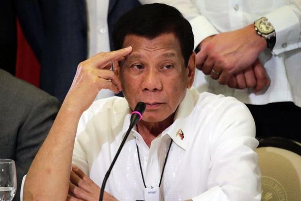 Covid-19 ở Philippines: Nhiều quan chức tự cách ly, ông Duterte tự xét nghiệm  - Ảnh 1.
