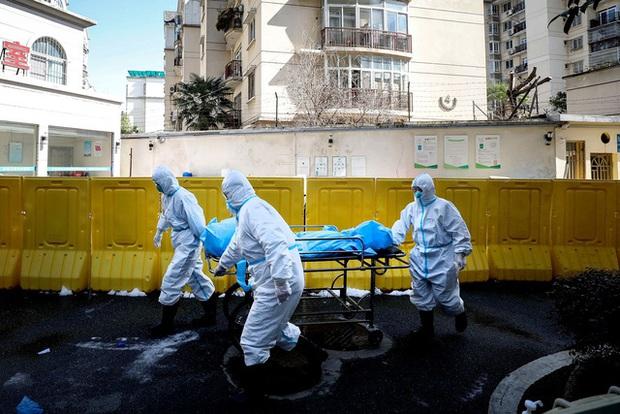 The Guardian: Tại sao đến bây giờ WHO mới tuyên bố Covid-19 là đại dịch, chuyên gia nói bao giờ có vaccine và cần phải chuẩn bị gì cho điều đó? - Ảnh 1.