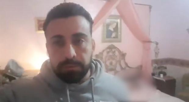 Diễn viên người Ý đăng clip cầu cứu khi bị nhốt trong nhà với thi thể chị gái nhiễm COVID-19 - Ảnh 2.