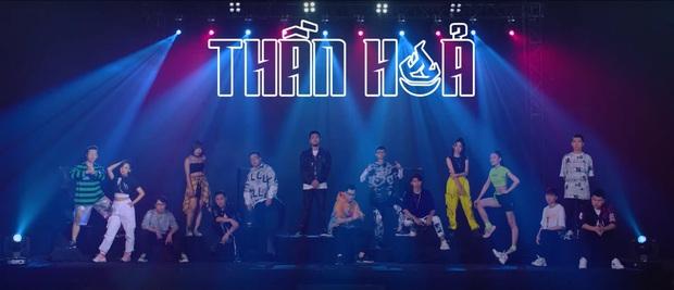 Thắp sáng ngọn lửa nhiệt huyết, rapper Phúc Du lần đầu góp mặt trong MV về LMHT cùng nhiều gương mặt nổi tiếng - Ảnh 1.
