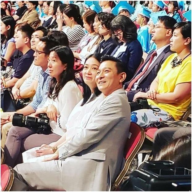 Cái kết đắng của sao Cbiz giấu giếm chuyện tình cảm: Fan Ngô Tôn tố idol lừa đảo, Lưu Đức Hoa bị yêu cầu rời khỏi showbiz - Ảnh 14.