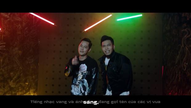Thắp sáng ngọn lửa nhiệt huyết, rapper Phúc Du lần đầu góp mặt trong MV về LMHT cùng nhiều gương mặt nổi tiếng - Ảnh 2.